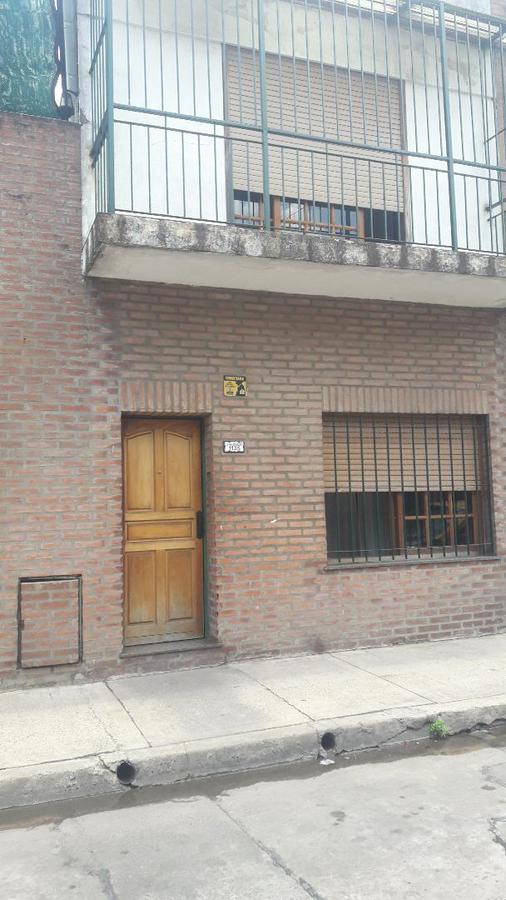 Foto Casa en Venta en  Pompeya ,  Capital Federal  JUEZ MAGNAUD al 1100