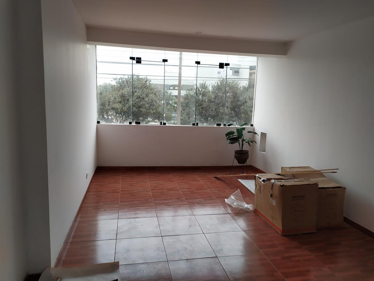 Foto Oficina en Alquiler en  La Molina,  Lima  Alquiler de Oficina en la Av. Flora Tristán, Fte a USMP F. Ingeniería