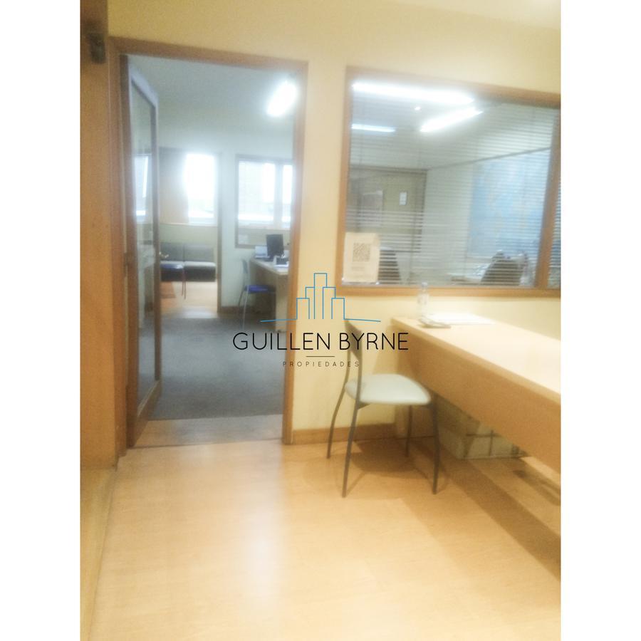 Foto Oficina en Venta en  Centro (Capital Federal) ,  Capital Federal  Viamonte al 700 Excelente oficina al frente venta en Block