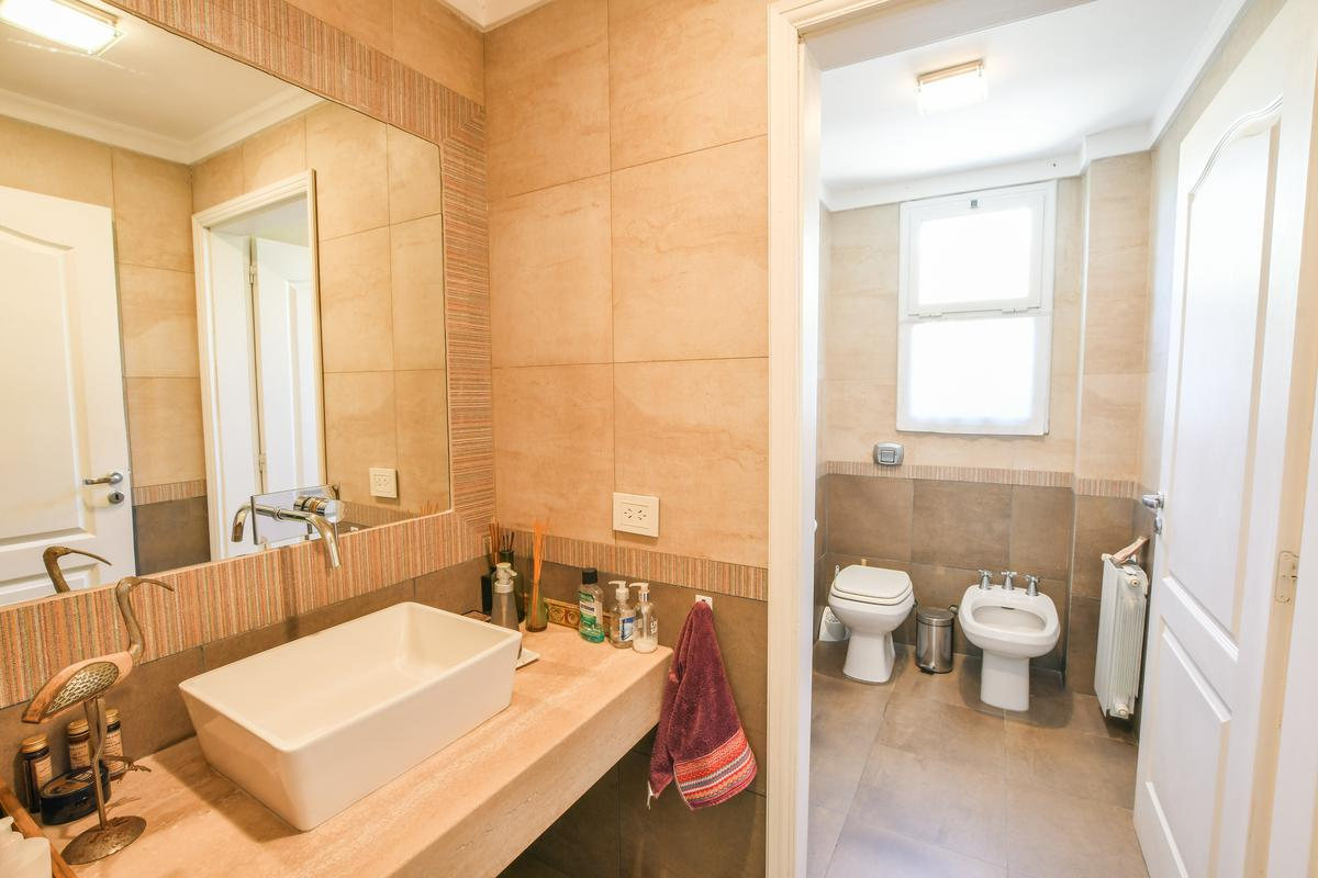 Casa de 3 dormitorios - pileta y galería con parrillero  - Fisherton
