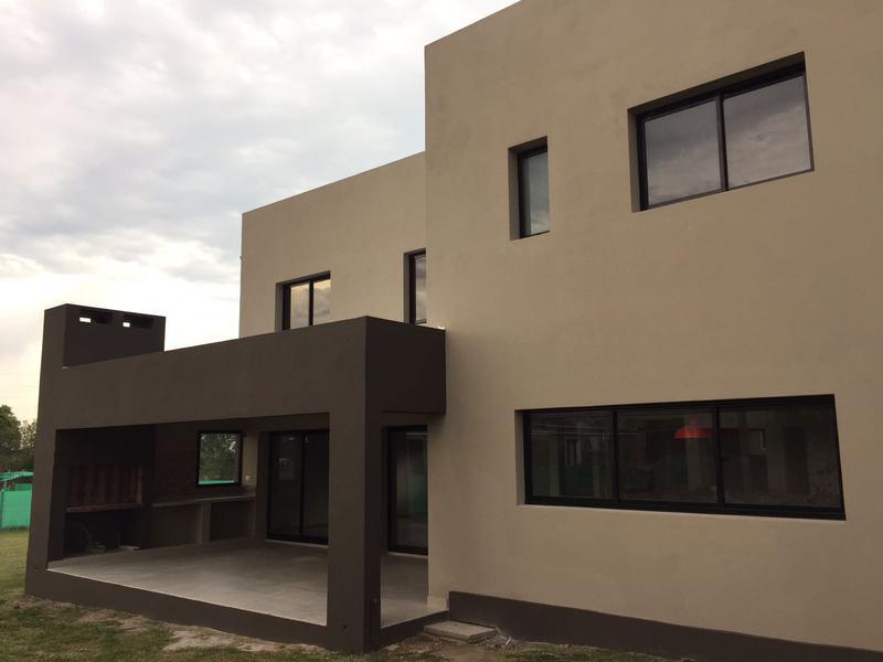 Foto Casa en Venta en  Yerba Buena ,  Tucumán  Barrio Privado Alto Verde 2