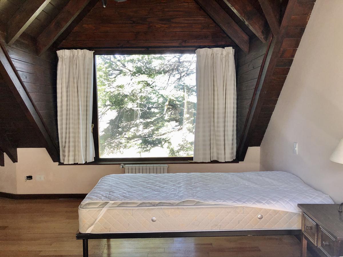 Foto Casa en Venta en  Arelauquen,  Bariloche  Sobre Golf