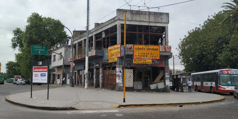 Foto Local en Alquiler en  Valentin Alsina,  Lanús  CARABOBO al 400