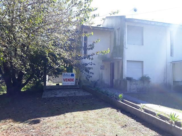 Foto Apartamento en Venta en  Colonia del Sacramento ,  Colonia  Dúplex de 2 dormitorios frente a Rambla Costanera
