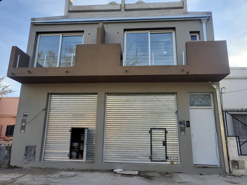 Foto Local en Alquiler |  en  Lomas De Zamora ,  G.B.A. Zona Sur  Piaggio al 200