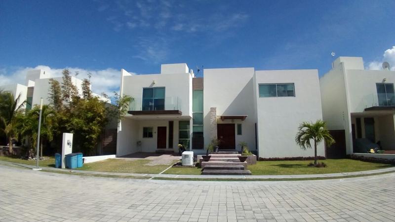 Foto Casa en Renta en  Residencial Azul,  Puebla  SE RENTA CASA AMUEBLADA CLUB RESIDENCIAL AZUL