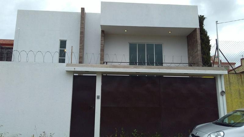 Foto Casa en Venta en  Capultitlan,  Toluca  CASA EN VENTA CERCA DE PAIDEIA PACIFICO