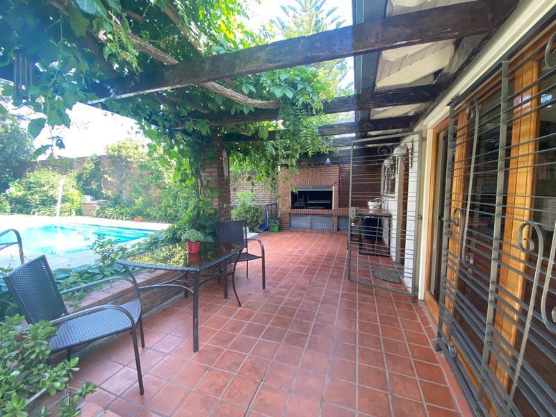 Foto Casa en Venta en  Banfield Este,  Banfield  Arenales 1673/75