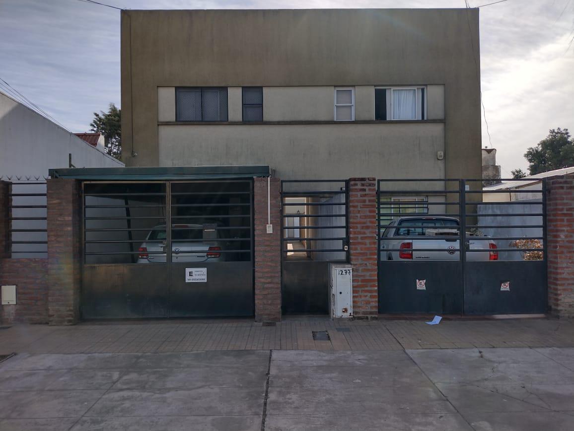 Foto PH en Venta en  La Plata,  La Plata  Calle 79 N 1277 entre 20 y 21