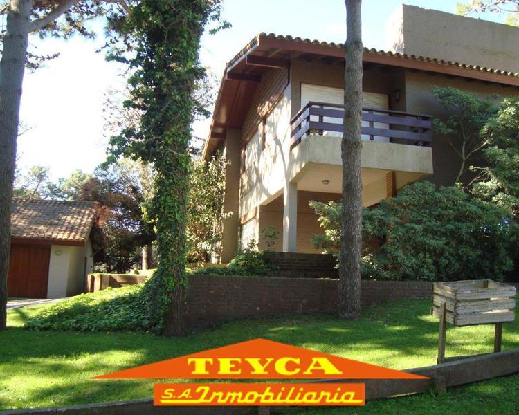 Foto Casa en Venta en  Lasalle,  Pinamar  Av Libertador 2824 Esq. Chingolo