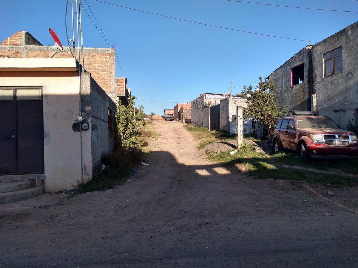 Foto Terreno en Venta en  Rancho o rancheria El Durazno,  Morelia  TERRENO EN EL  DURAZNO CALLE: MANUEL DE LA PARRA
