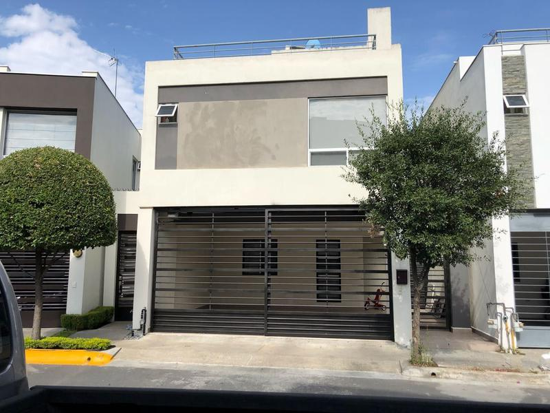 Foto Casa en Venta en  Cerradas de Valle Alto,  Monterrey  Casa En Venta en Fracc. Cerradas de Valle Alto al Sur de Mty (LJGC)