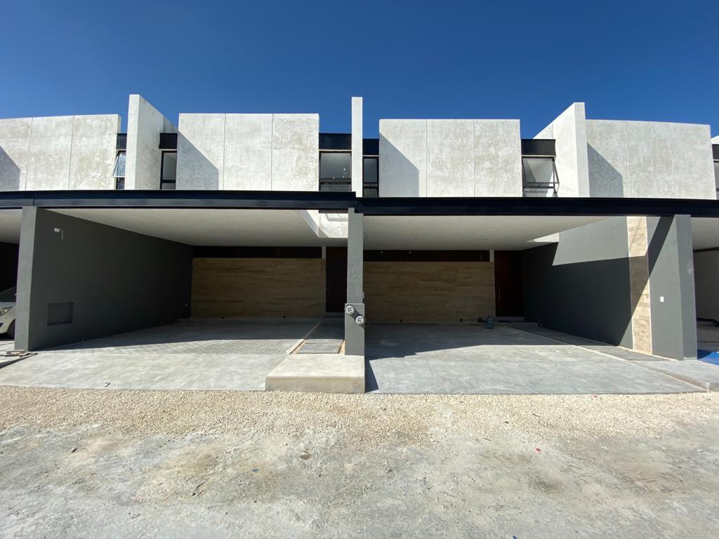 Foto Casa en Venta en  Temozon Norte,  Mérida  Venta bello  townhouse en temozon norte