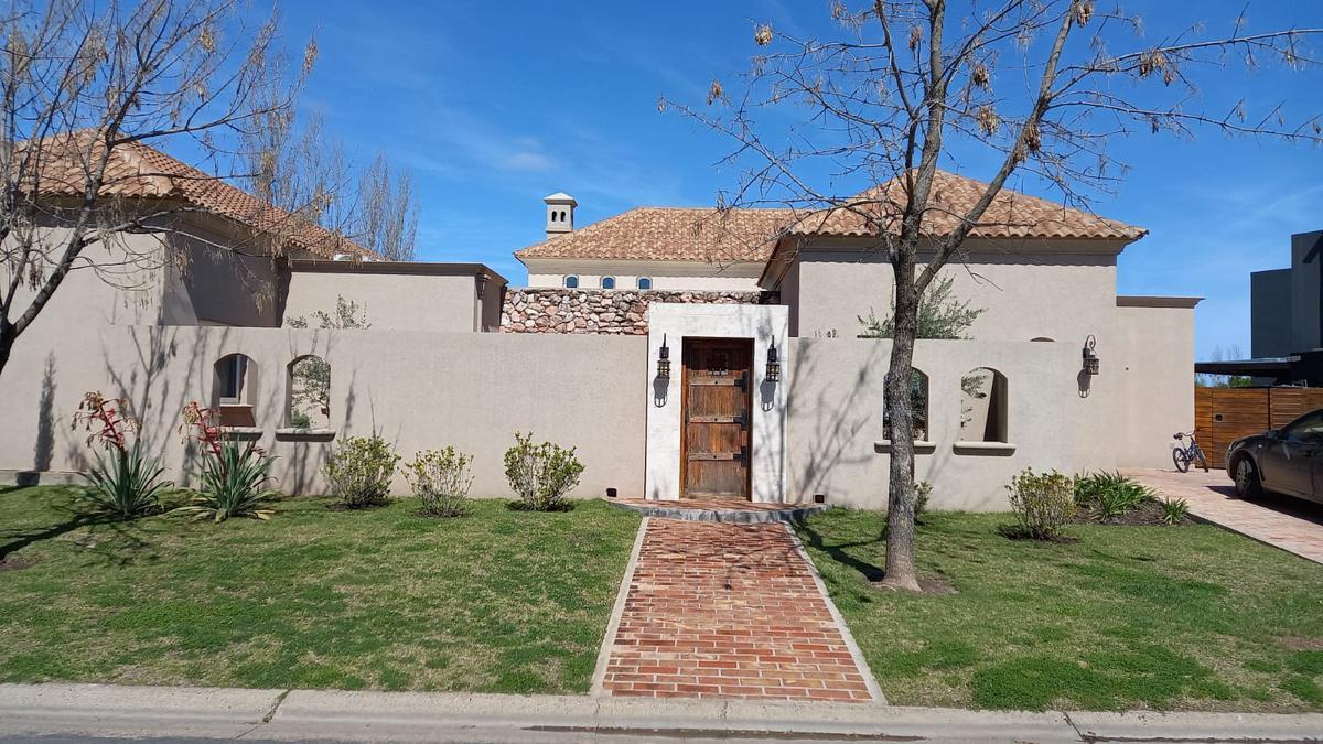 Foto Casa en Alquiler temporario en  Santa Clara,  Villanueva  boulevard de todos los santos