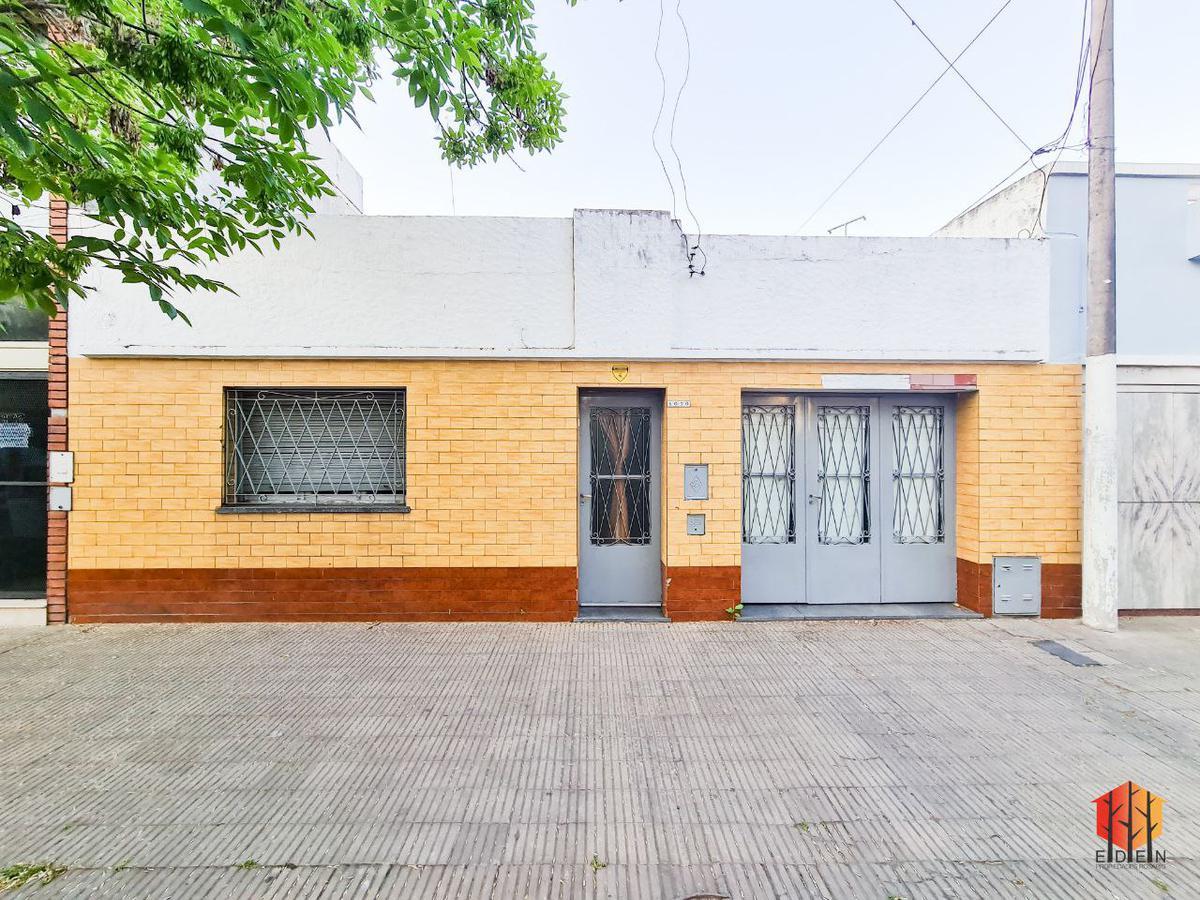 Foto Casa en Venta en  Matheu,  Rosario  Dr. Riva y San Martín