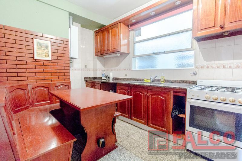 Foto Departamento en Venta en  Caballito ,  Capital Federal  Curapaligue y Rivadavia - 3 ambientes con cochera