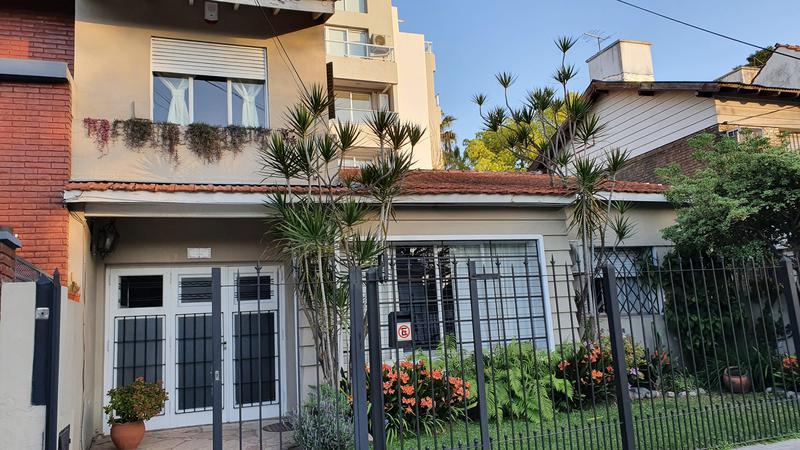 Foto Casa en Venta en  Adrogue,  Almirante Brown  Int, Gonzalez al 1100