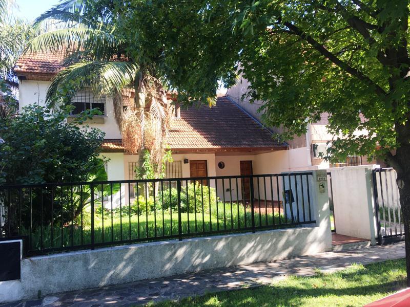 Foto Casa en Venta en  Martinez,  San Isidro  Corrientes al 2900