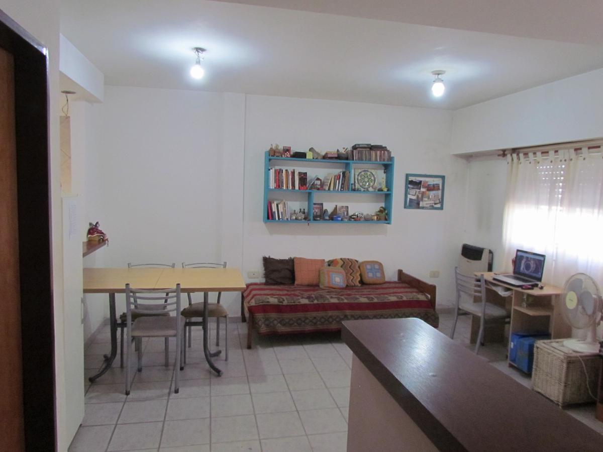 Foto Departamento en Alquiler en  La Plata ,  G.B.A. Zona Sur  2 Entre 66 y 67