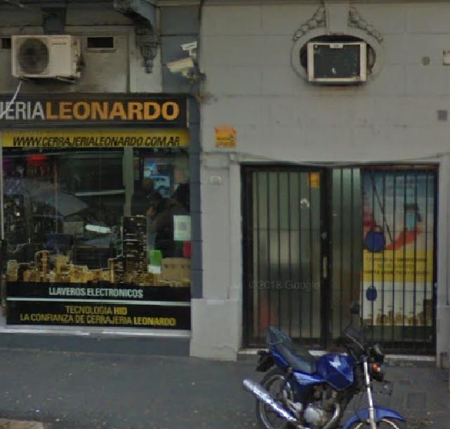 Foto Local en Alquiler en  Caballito ,  Capital Federal  Rosario al 100