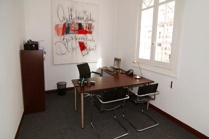 Foto Oficina en Alquiler en  Pocitos ,  Montevideo  IMPORTANTE CASONA ESQUINA