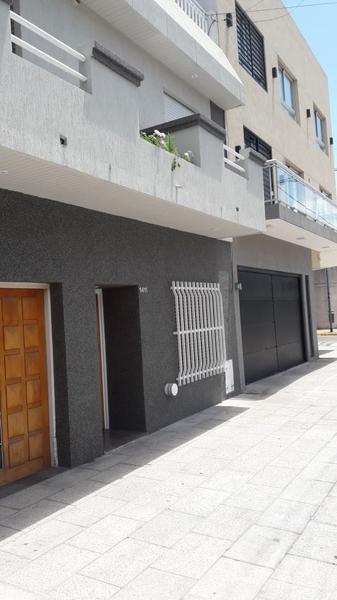 Foto Casa en Venta en  Liniers ,  Capital Federal  Jose Leon Suarez al 1400