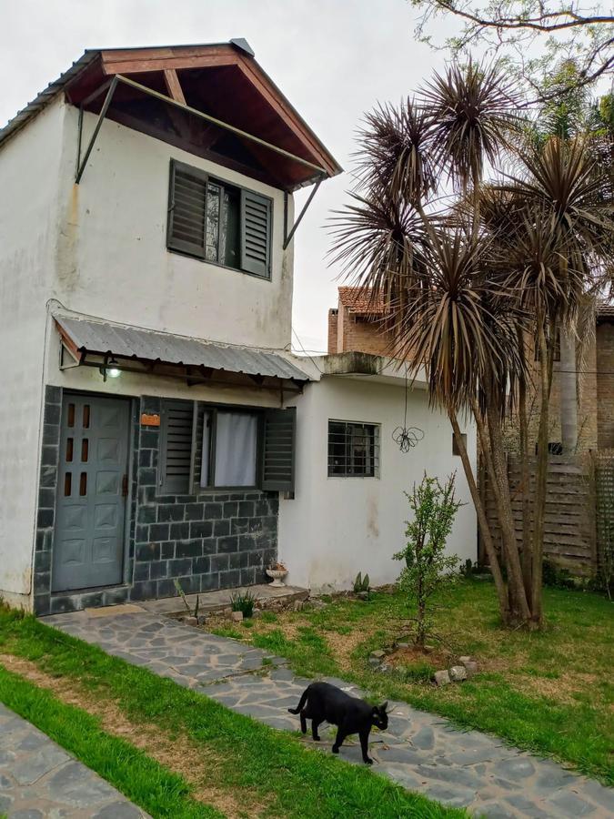 Foto Casa en Venta en  Manuel B Gonnet,  La Plata  28 bis e/494 y 495