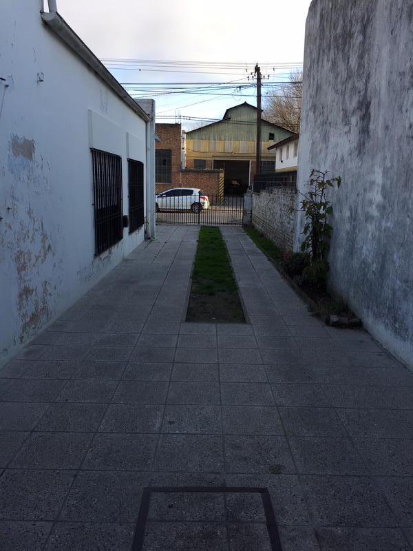 Foto Casa en Venta en  Centro De Lujan,  Lujan  Mitre Nº 1930