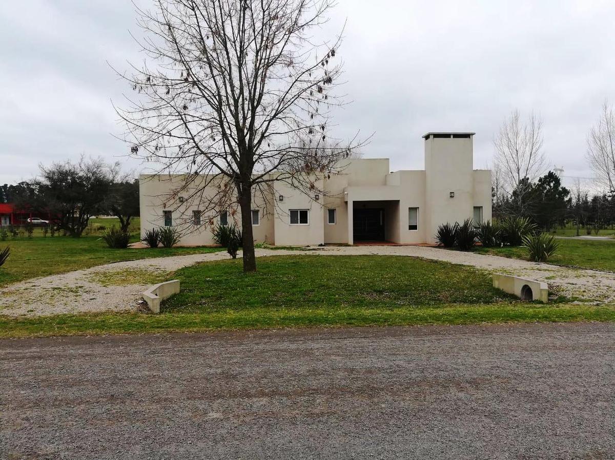 Foto Casa en Venta en  Chacras De La Cruz,  Countries/B.Cerrado  Capilla del Señor