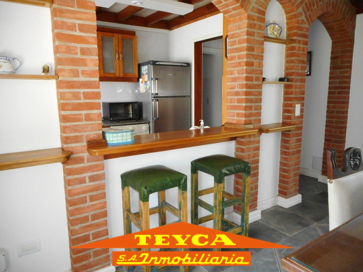Foto Casa en Alquiler temporario en  Pinamar ,  Costa Atlantica  DE LAS DUNAS 968 E/ CIPRESES Y BACANTES