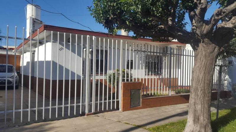 Foto Casa en Venta en  Lanús Este,  Lanús  CHASCOMUS 500