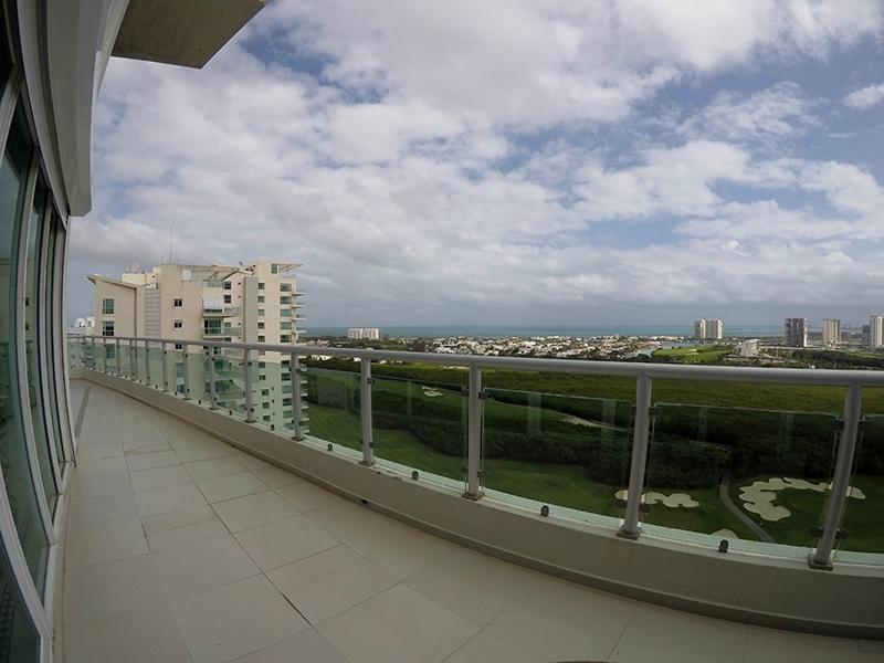 Foto Departamento en Renta en  Zona Hotelera,  Cancún  DEPARTAMENTO AMUEBLADO DE LUJO EN RENTA EN CANCUN EN PUERTO CANCUN EN  ISOLA
