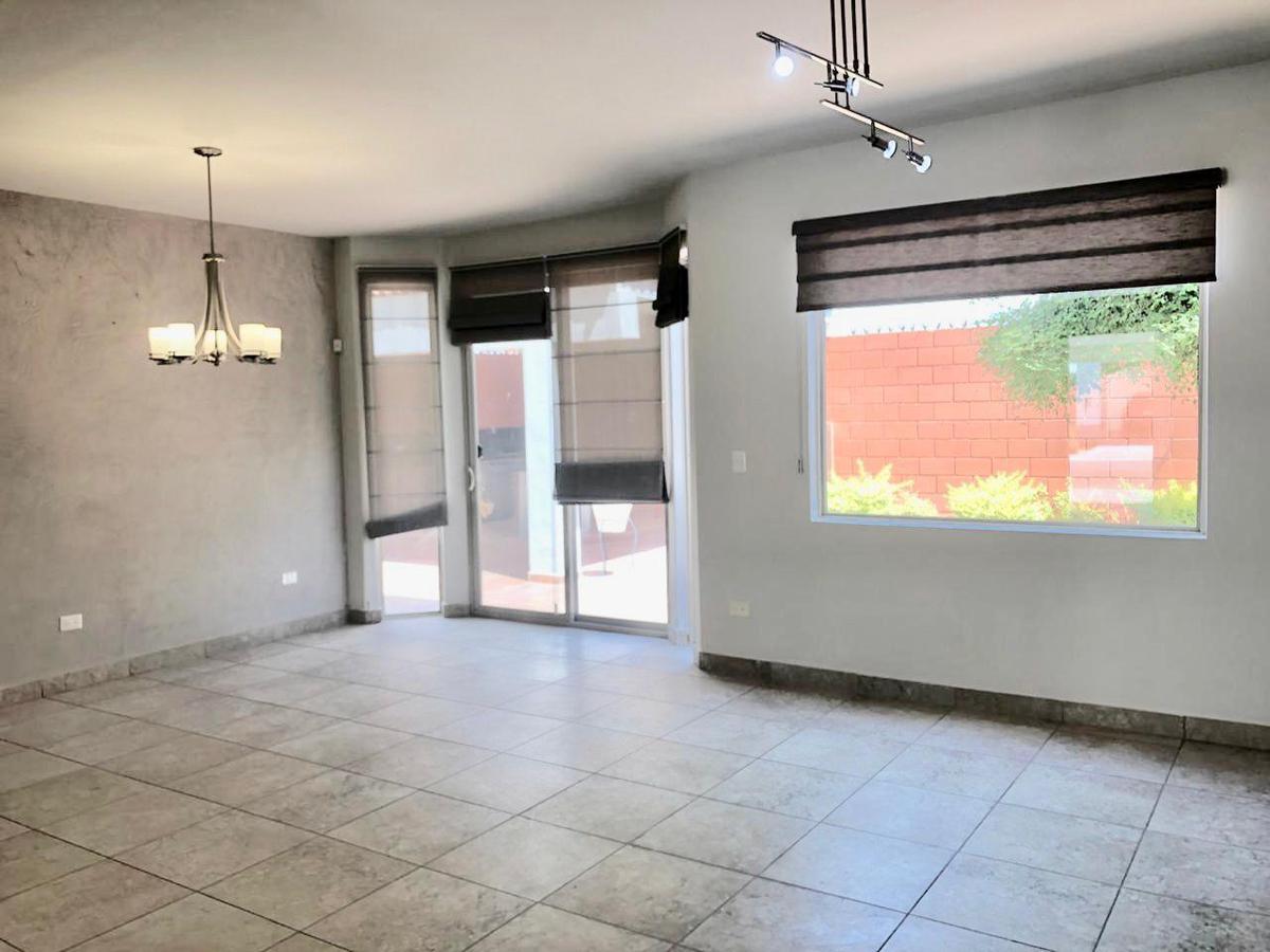 Foto Casa en Venta en  Fraccionamiento La Encantada,  Hermosillo  SE VENDE CASA EN LA ENCANTADA RESIDENCIAL AL PONIENTE DE HERMOSILLO