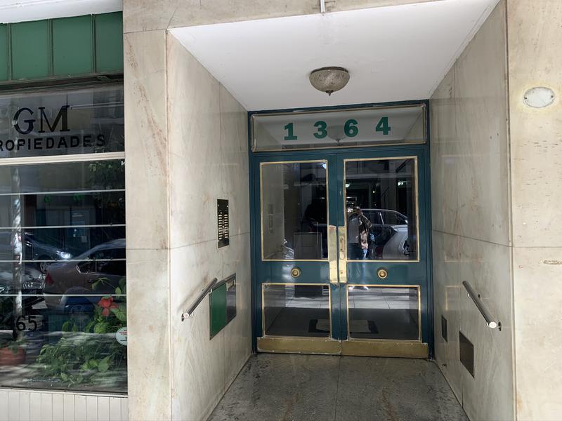Foto Departamento en Venta en  Recoleta ,  Capital Federal  Larrea al 1300