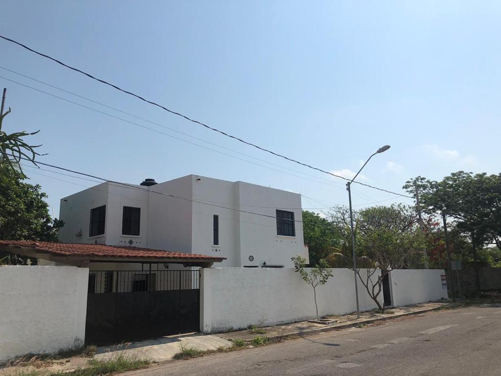 Foto Casa en Venta en  Montes de Ame,  Mérida  Casa en venta en Montes de ame, Merida_ en esquina