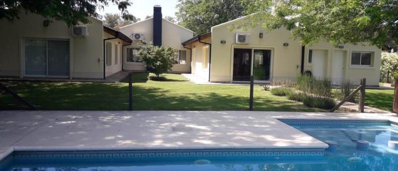 Foto Casa en Venta en  Comarcas de Luján,  Countries/B.Cerrado (Lujan)      Comarcas de Luján .La Elina