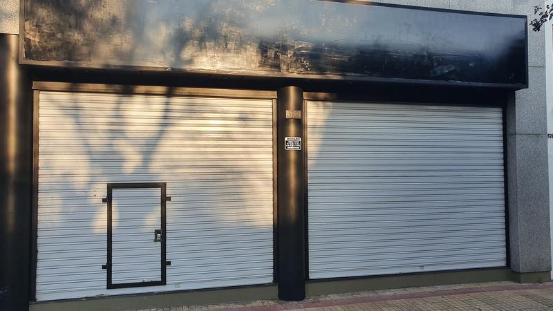Foto Local en Alquiler en  La Plata ,  G.B.A. Zona Sur  36 al 800