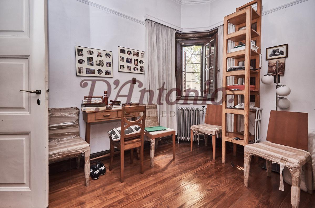 Foto Casa en Venta en  Belgrano R,  Belgrano  Sucre 3400