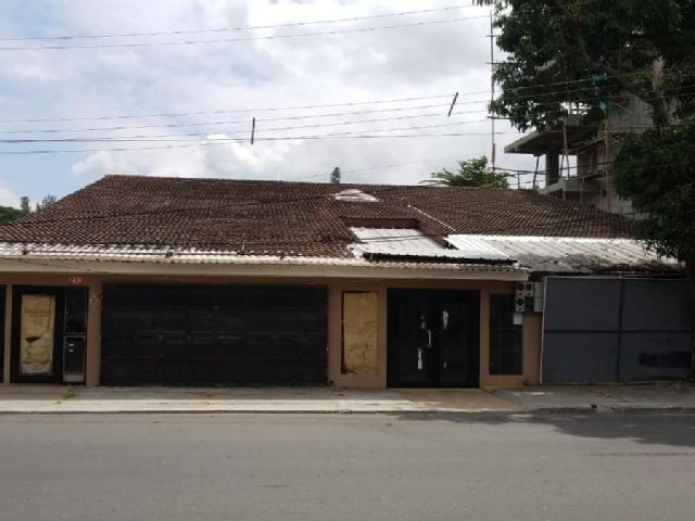 Foto Casa en Venta en  Norte de Guayaquil,  Guayaquil  Kennedy Vieja Av Francisco Boloña sector Policentro se vende casa