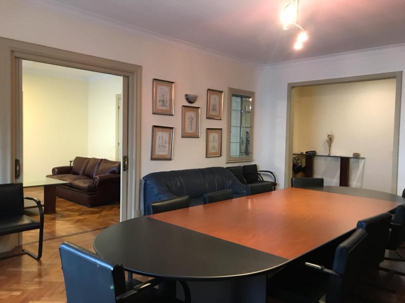 Foto Apartamento en Alquiler en  Centro (Montevideo),  Montevideo  Gran planta para oficinas o vivienda.