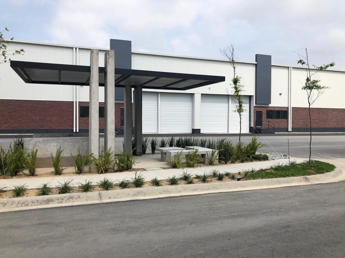 Foto Nave Industrial en Renta en  Guadalupe ,  Nuevo León  Autopista Al Aeropuerto, Guadalupe,  NL
