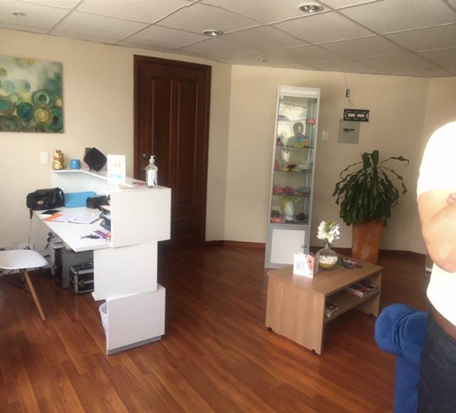 Foto Oficina en Venta en  Centro Norte,  Quito  Av 10 de Agosto y Naciones Unidas