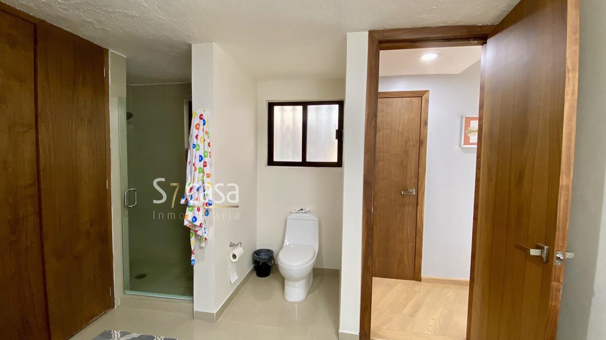 Foto Casa en Venta en  Bosques de la Herradura,  Huixquilucan  Oportunidad casa en Venta, Bosques de la Herradura, calle cerrada