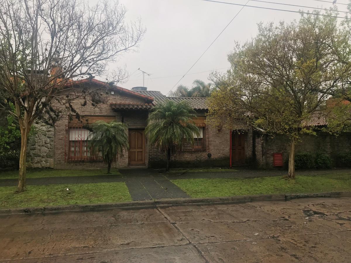 Foto Casa en Venta en  Ituzaingó ,  G.B.A. Zona Oeste  Artigas esq Paysandu