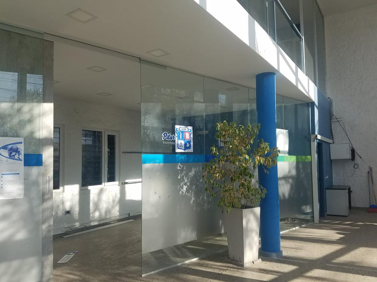 Foto Local en Alquiler en  Pilar ,  G.B.A. Zona Norte  Avenida Jose E Uriburu al 1600
