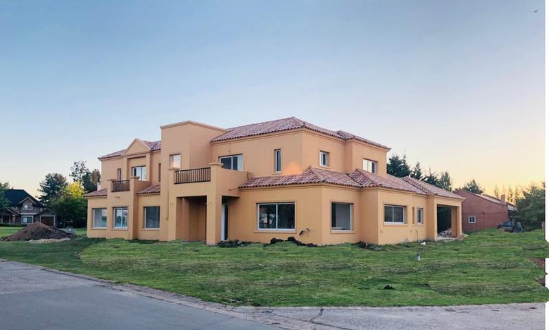Foto Casa en Venta en  Boca Raton,  Countries/B.Cerrado (Pilar)  Ruta 25 al al 100