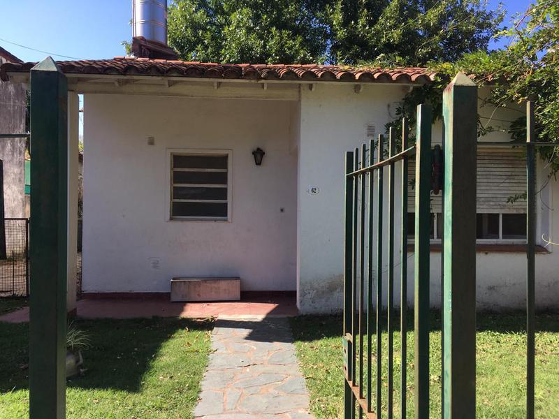 Foto Casa en Venta en  Barrio Parque Leloir,  Ituzaingo  Teresa Bisso 62