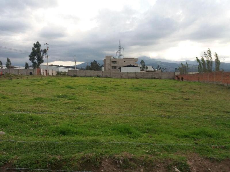 Foto Terreno en Venta en  Los Chillos,  Quito  Sangolquí, urbanización privada, terreno esquinero, plano