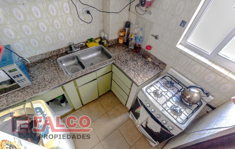 Foto Oficina en Venta en  Flores ,  Capital Federal  Curapaligue y Rivadavia