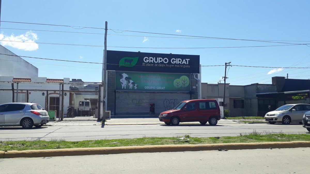 Foto Local en Venta en  La Plata,  La Plata  44 e/ 140 y 141